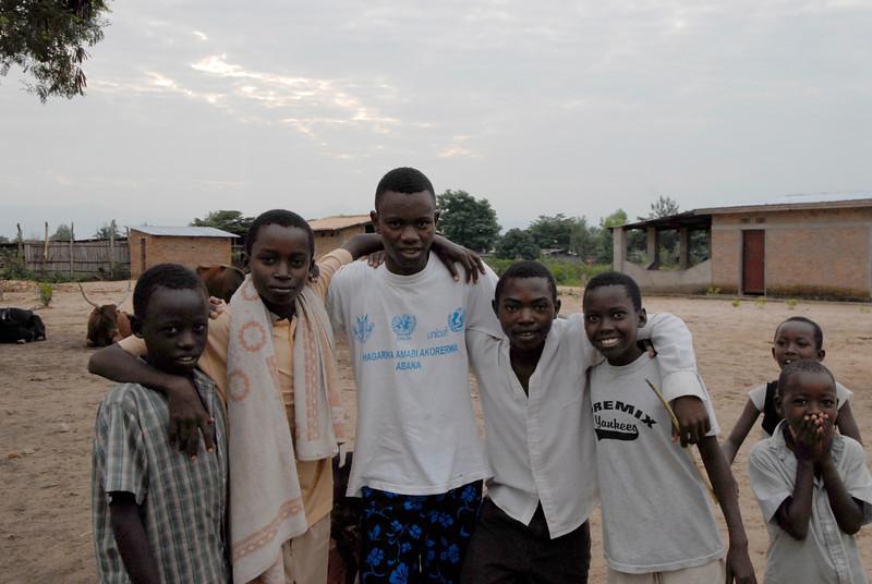 070104 3350 Burundi - Bujumbura - Peace Village _L ~E ~L.JPG