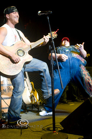 Toby Keith & Friends @ DTE Music Theater - Michigan 2008