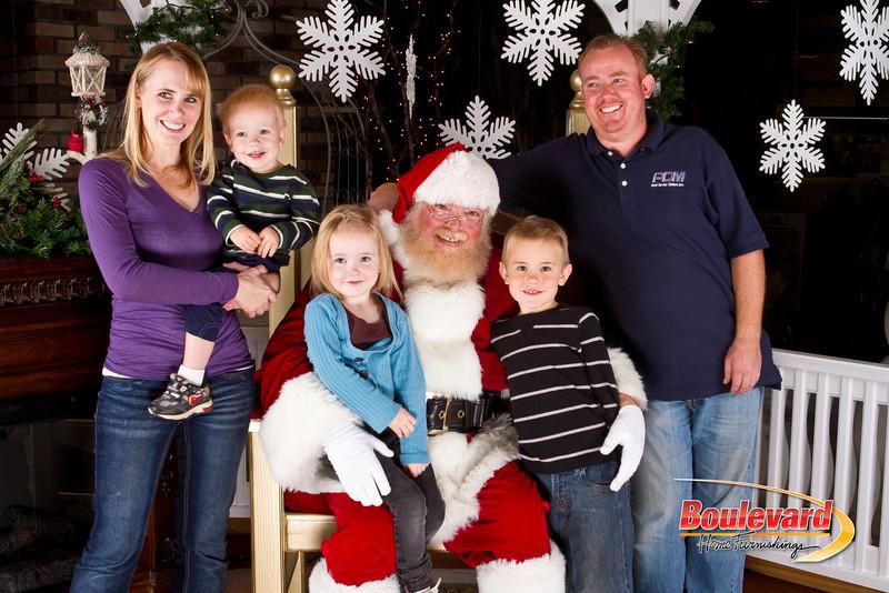 Santa Dec 8-156.jpg