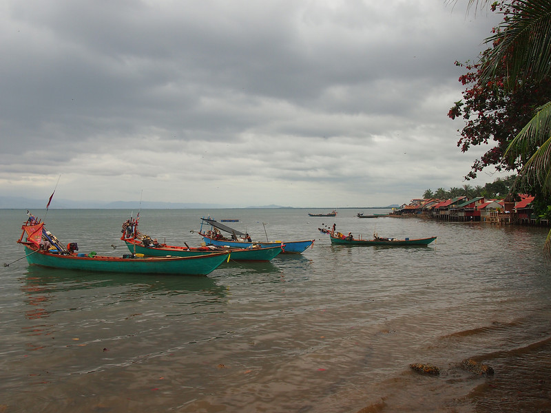 PB163791-fishing-boats.JPG