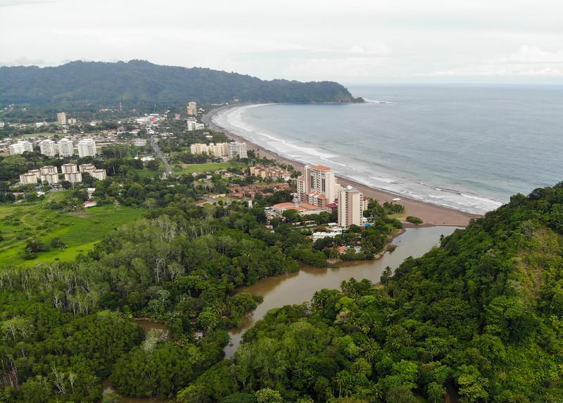 Vista de Playa Jaco desde el Aire