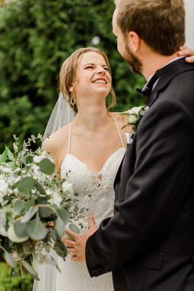 421_Ryan+Hannah_Wedding.jpg