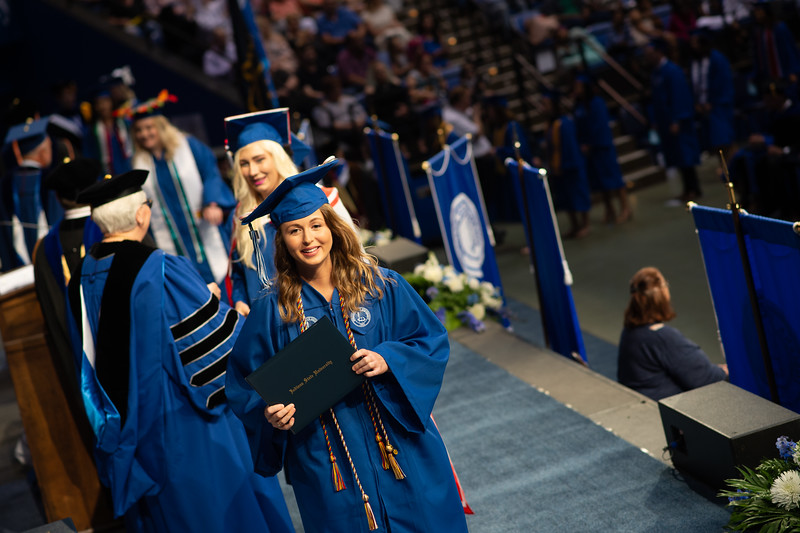 May 12, 2018 commencement -1099.jpg