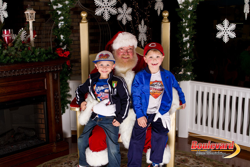 Santa Dec 15-236.jpg