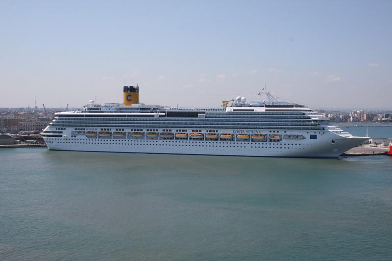 2008 - M/S COSTA SERENA in Bari.