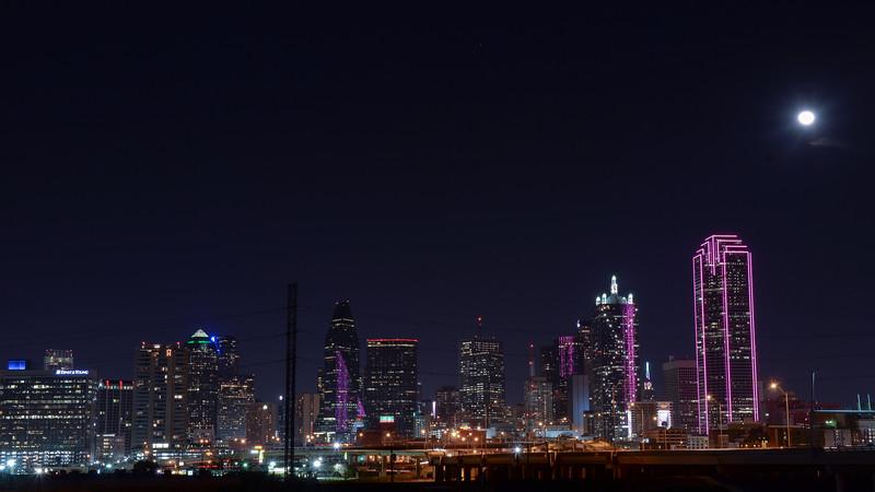 2015-02-06 Dallas Skyline Nighttime 003.jpg