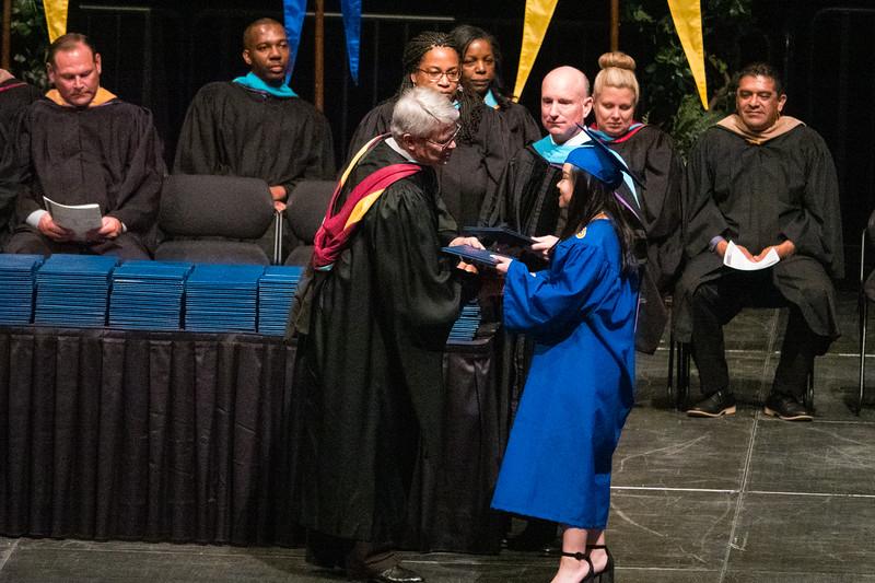 20190601_april-hs-graduation_005.JPG
