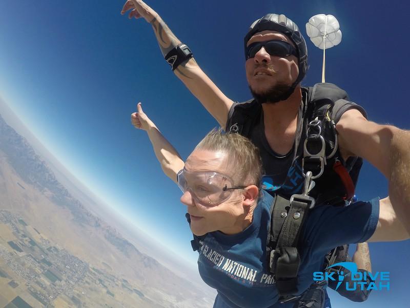 Lisa Ferguson at Skydive Utah - 33.jpg