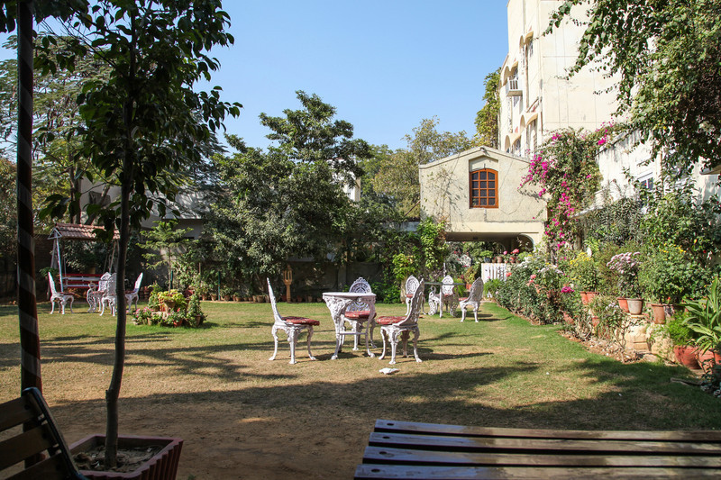 The garden area at our hotel in Jaipur.