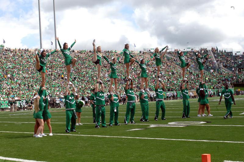 cheerleaders4784.jpg