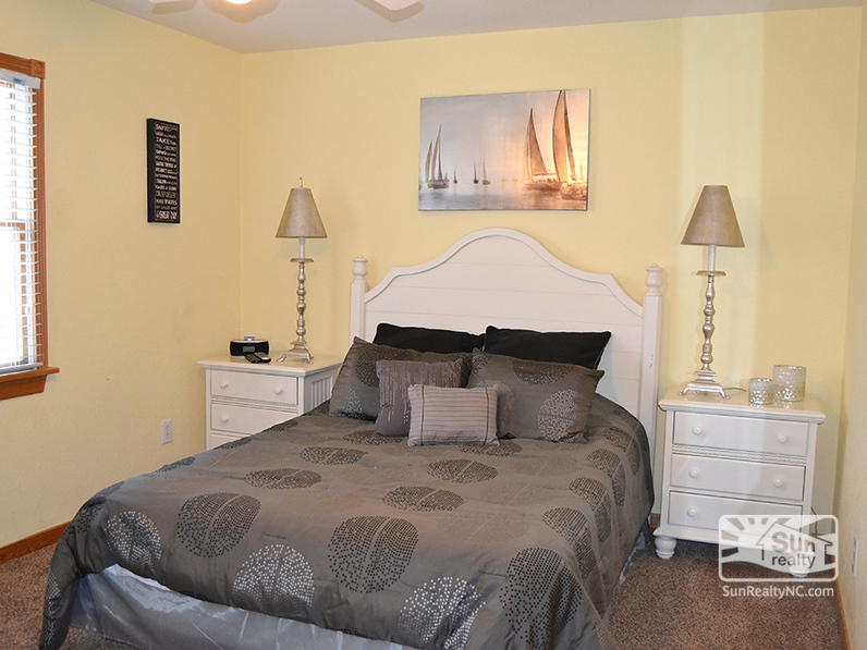 Mid-Level Queen Bedroom