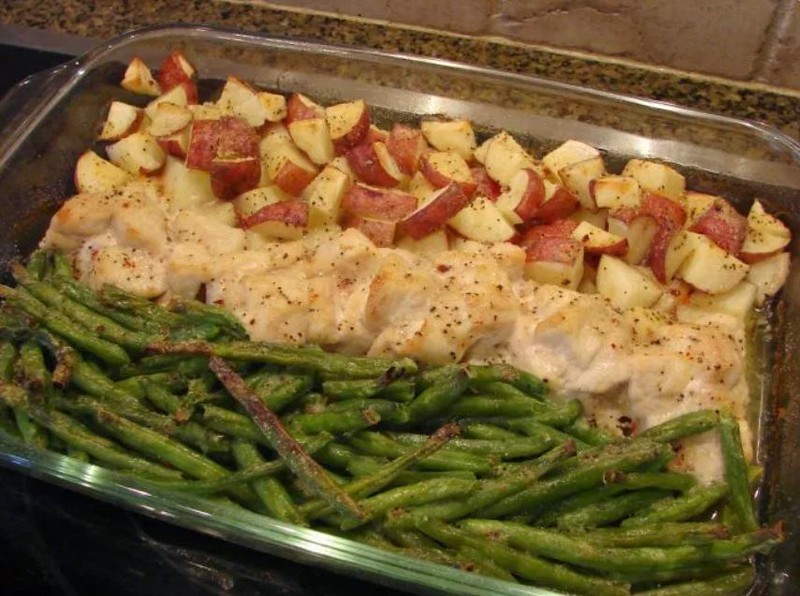 One Pan Chicken Green Beans and Potatoes