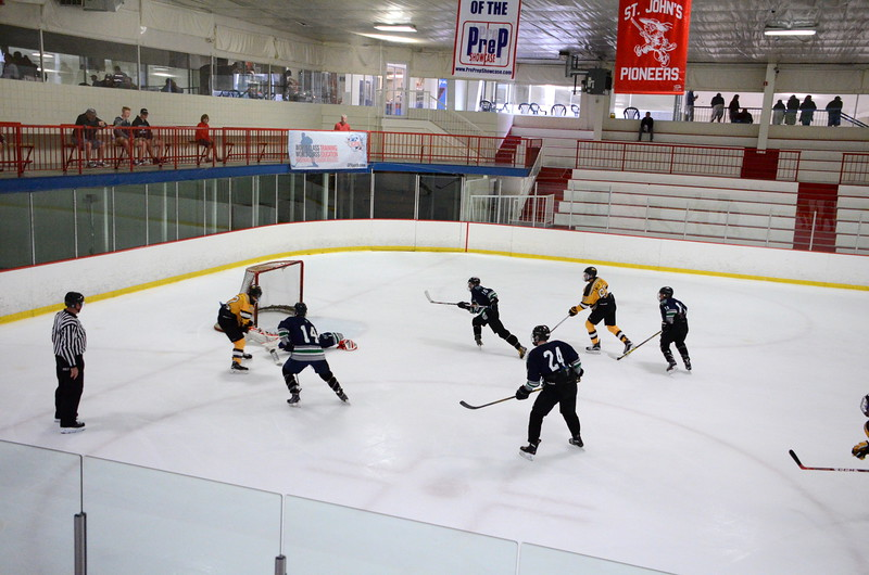 150907 Jr. Bruins vs. Whalers-064.JPG