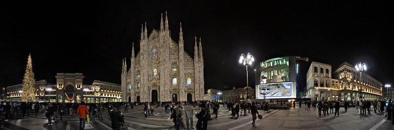 Piazza del Duomo (Cathedral Square) - Milan, Italy - December 6, 2009