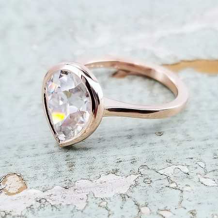 Antique Pear Moissanite in R523