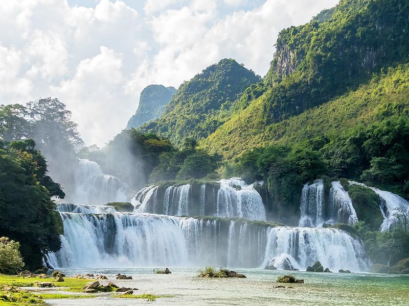 Vietnam Ban Gioc Falls_P1130004.jpg
