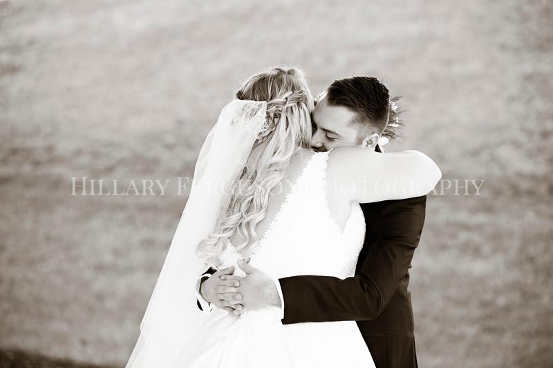 Hillary_Ferguson_Photography_Melinda+Derek_Getting_Ready379.jpg