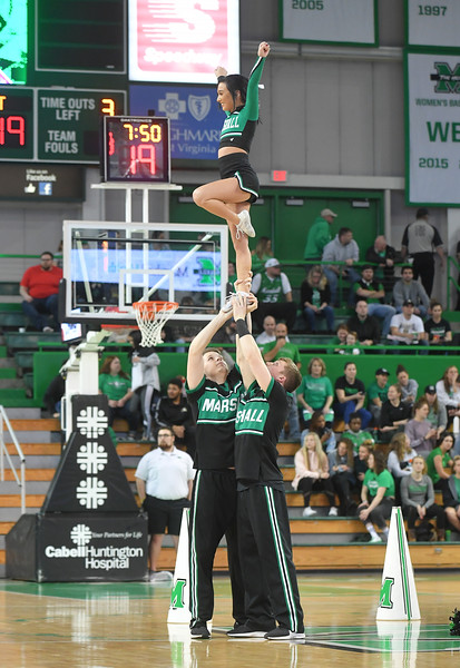 cheerleaders1631.jpg