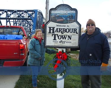 November 22, 2015. Vermilion's Friends of Harbourtown  decorates downtown.