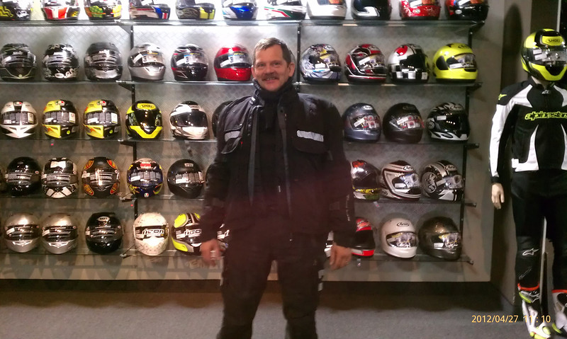 Here I am in my REVIT! Defender Gore Tex jacket in the fabulous Revzilla showroom in Philly. https://www.youtube.com/watch?v=KsX1K61UN7A