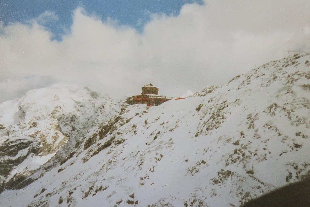 Tibethutte. Naast Stelvio pashoogte