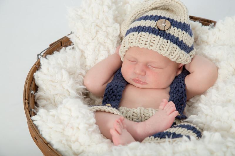 Keegan Newborn-120.jpg