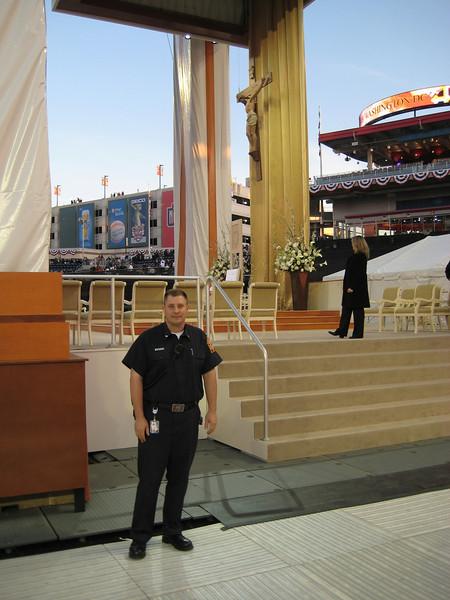 Pope Mass Nats Stadium 4-17-08 009.jpg