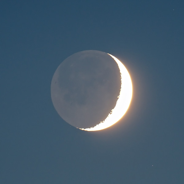 Earthshine Crescent