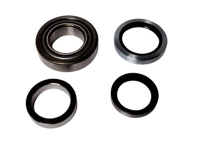 MASSEY REAR HALF AXLE BEARING KIT ​1850088M91