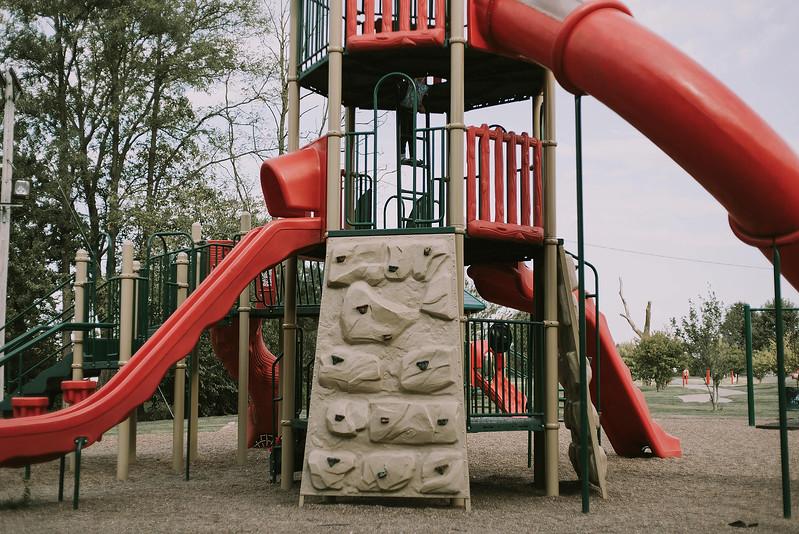 Eloise & Isabelle, BG Park 20.jpg