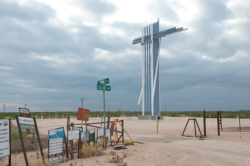 Praise The Oil, West Texas