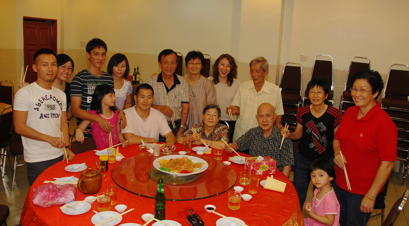 February 1, 2011 - 2nd Day @ Sg. Siput, with Bee's Family & How Wan's Family from Netherlands
