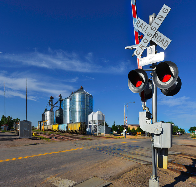 1 South Dakota Rail Road Crossing.jpg