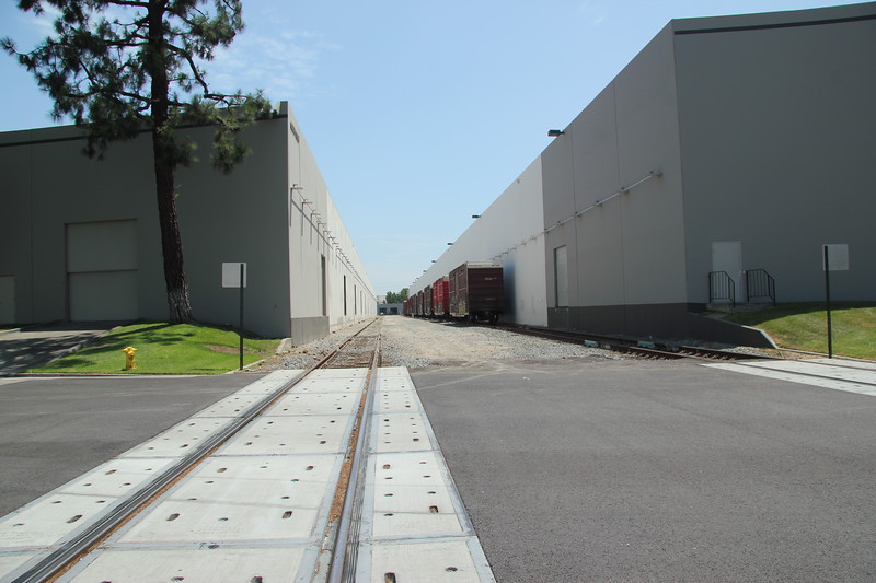 6000 Rickenbacker Rd, Commerce, CA 90040