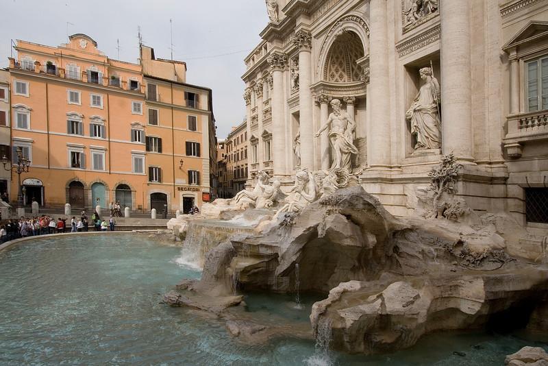 Trevi Fountain Side View.jpg