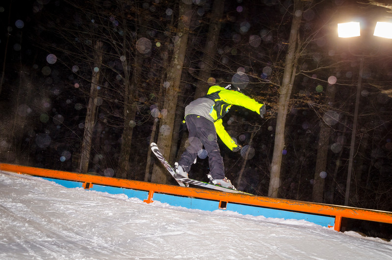 Nighttime-Rail-Jam_Snow-Trails-62.jpg