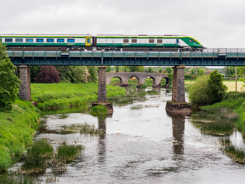 Intercity traiin crossing the River Barrow at Monasterevin
