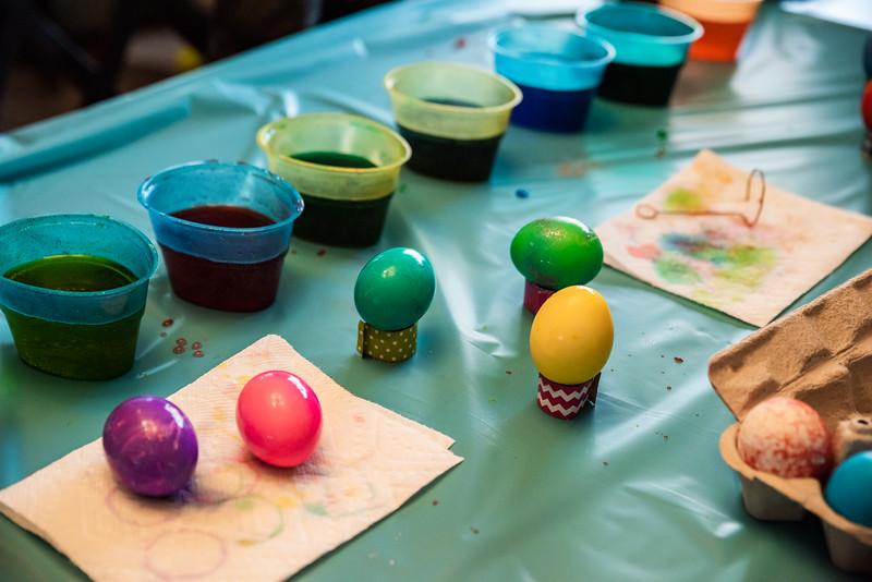 Easter Egg Dying 2020-9619.jpg