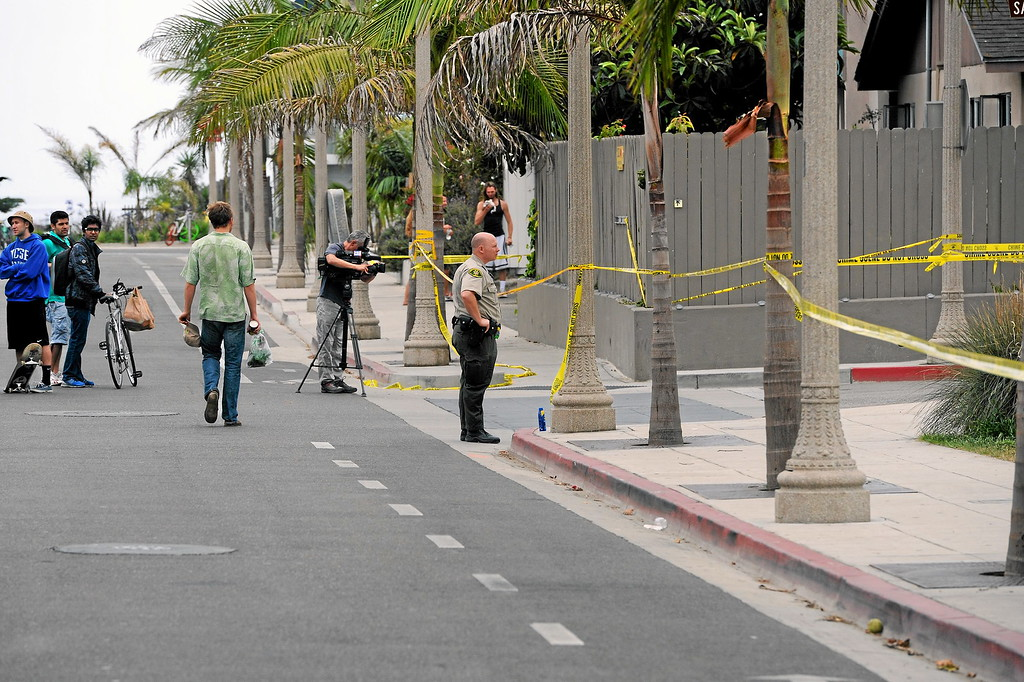. Taped off streets at El Embarcadero Road at the scene of Friday night\'s shooting in Isla Vista, Saturday, May 24, 2014. (Photo by Michael Owen Baker/Los Angeles Daily News)