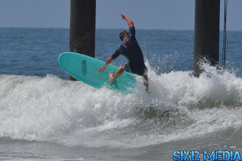 Venice Pier Surfing-127.jpg