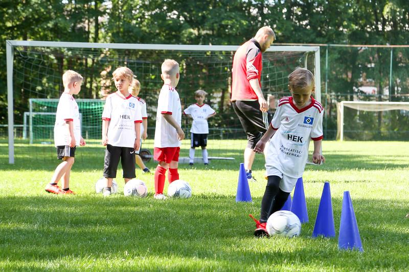 hsv_fussballschule-157_48047987283_o.jpg