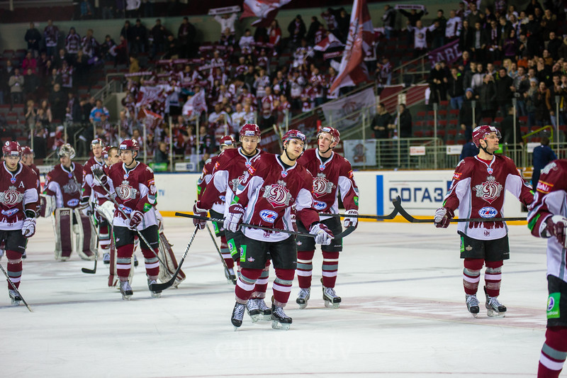 Players of Dinamo Riga leave the rink after victory in the game with final score 4:1