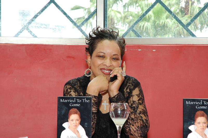 Lydia Harris Book signing 031.jpg