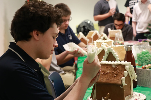 Gingerbread Houses with the German Club