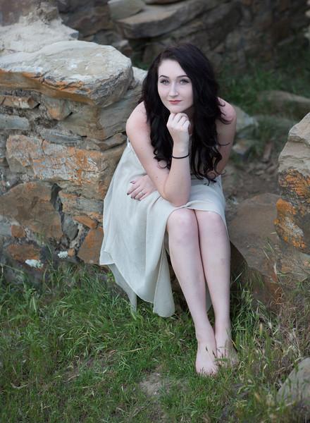 Abby Portrait Round Valley-_85A7020-.jpg