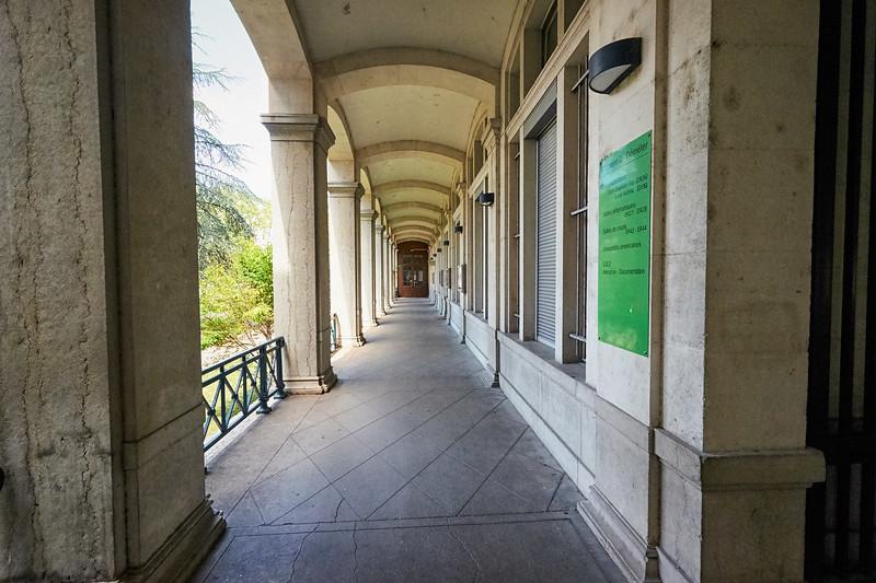 Université Lyon II (II)