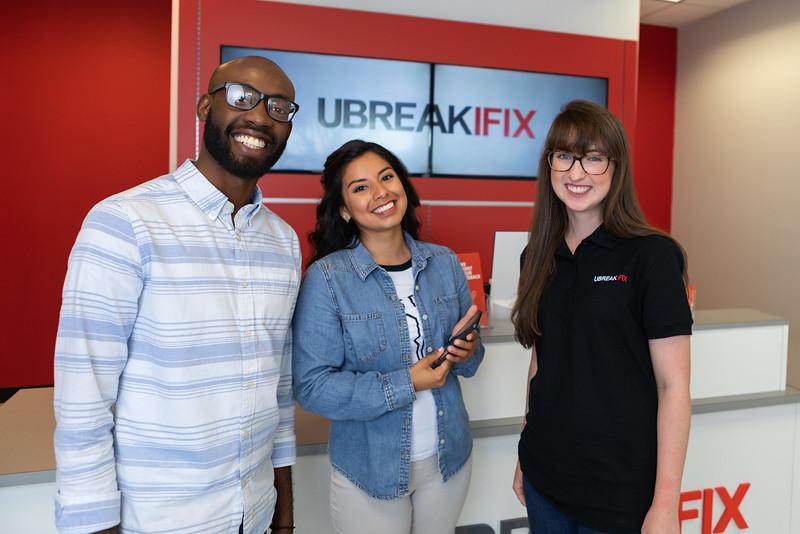 UBreakiFix in-store 2018-04-29