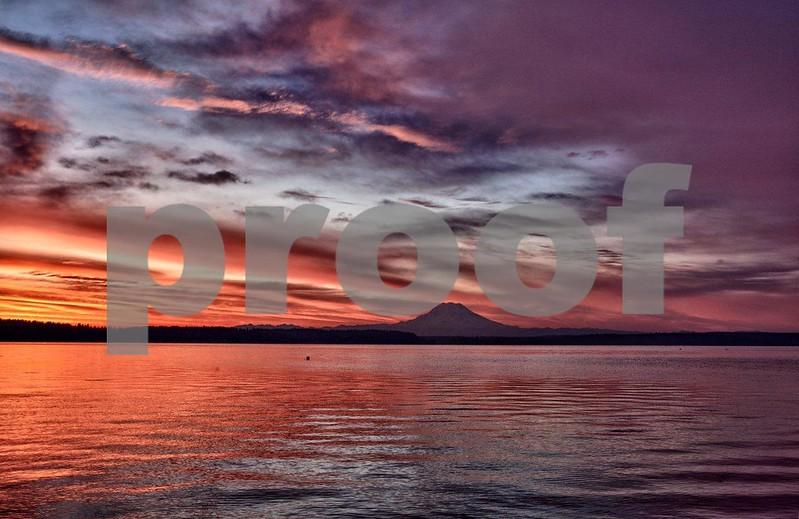 Rainier & Puget Marina sunrise 7981_HDR.jpg