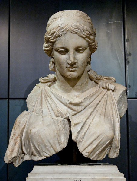 Artemis_Kephisodotos_Musei_Capitolini_Goddess_of_The_hunt.jpg
