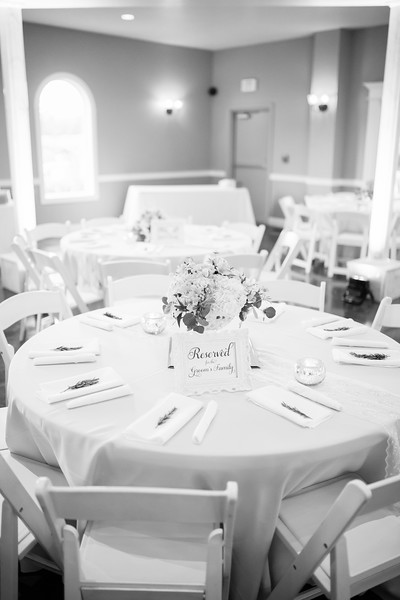 0827_Josh+Lindsey_WeddingBW.jpg